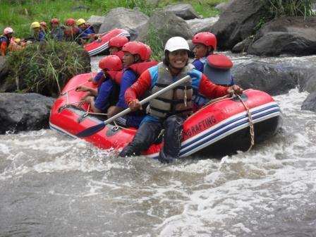 tempat outbound, paket rafting, paket outbound, paket outbound murah, outbound di jawa timur, tempat rafting