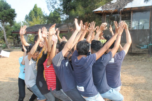 Outbound Malang , Team Buiding , Outbound Training , 24 Slides 7 , 081231938011