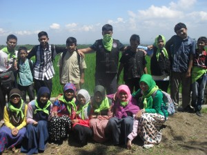 081 231 938 011  , Tempat Study Tour di Bogor , Tempat Study Tour di Bandung , SMP IT Robbani Banjar Baru 2
