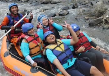 081 231 938 011 , Paket Rafting Murah di Bogor , Paket Rafting Murah Citarik , RSI Masyithoh 7