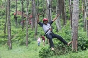 Suasana di Hutan Pinus, Pegunungan Lebih Cocok Sebagai Tempat Outbound