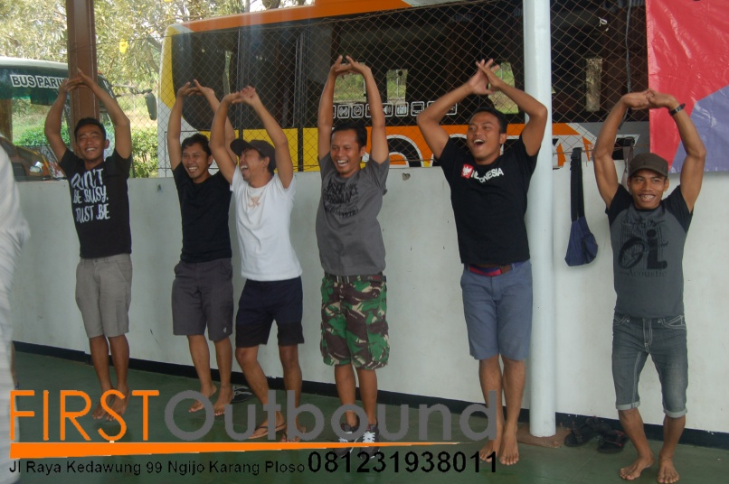 081231938011-family-gathering-outbound-malang-family-gathering-outbound-batu-family-gathering-maestro-4