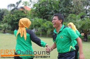 Outbound Leadership Program Batu, Outbound Leadership Program Trawas , Outbound Team Building Bersama Guru SD Jambangan www.1stoutbound.com 2