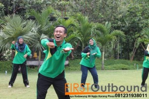 Outbound Leadership Program Batu, Outbound Leadership Program Trawas , Outbound Team Building Bersama Guru SD Jambangan www.1stoutbound.com 3