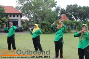 Outbound Leadership Program Batu, Outbound Leadership Program Trawas , Outbound Team Building Bersama Guru SD Jambangan www.1stoutbound.com 4