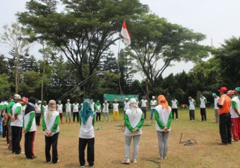 Outbound Training, Performing, Bendera