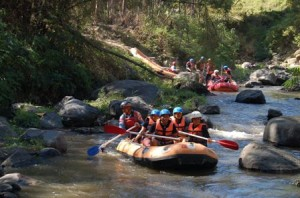 Outbound Gathering, Outbound Rafting di Batu, Outbbound di Malang 12